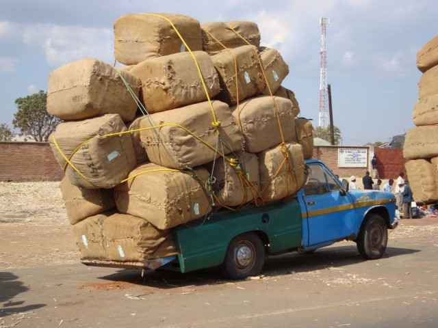 auto sovraccarica in Africa