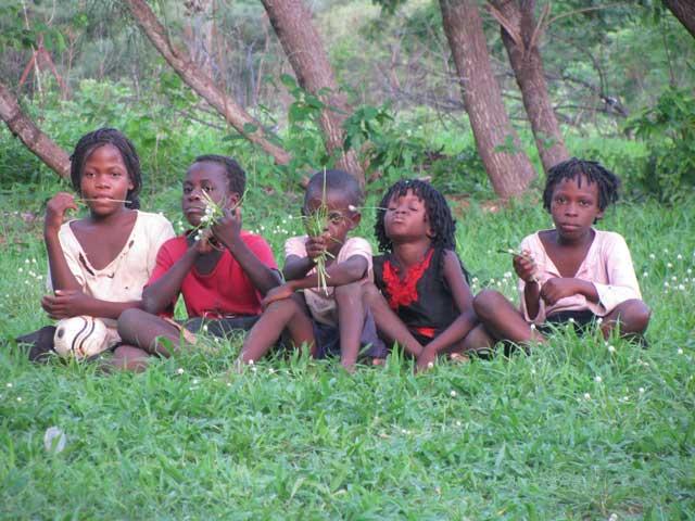 foto di sabrina ferrario in africa aprile 2015 (1)