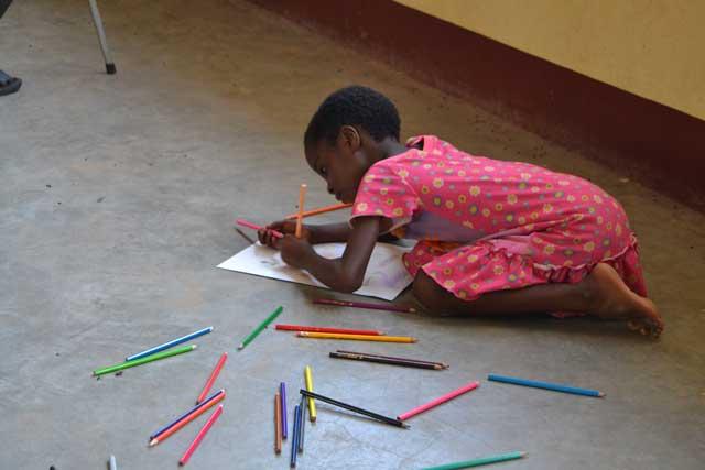 foto di sabrina ferrario in africa aprile 2015 (7)