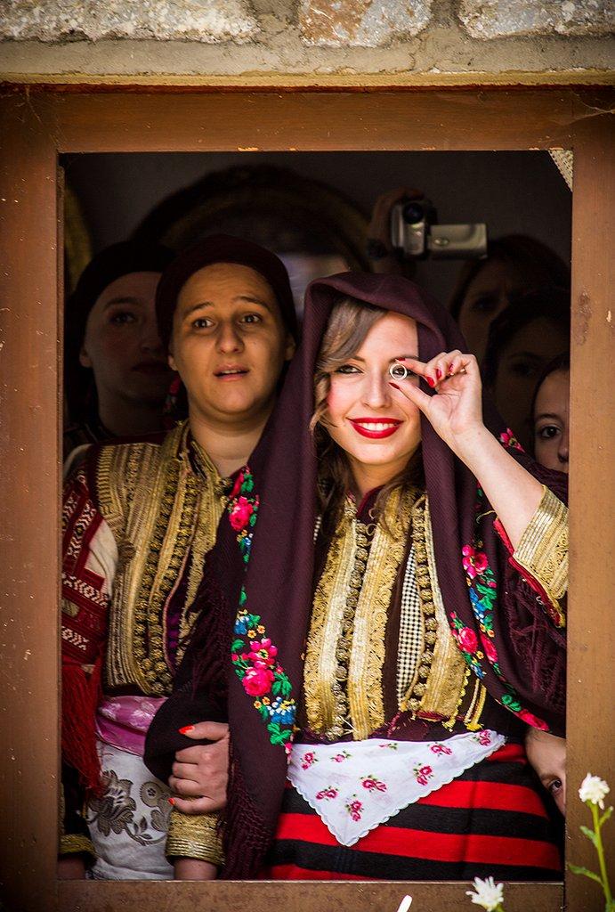 Matrimonio In Kazakistan : I vestiti da matrimonio tradizionali più belli al mondo