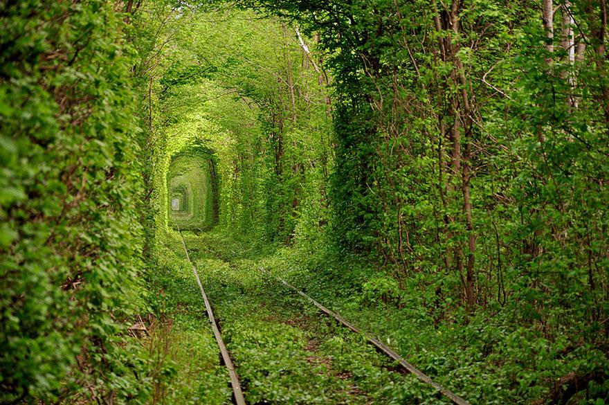 Tunnel dell'Amore, Ucraina
