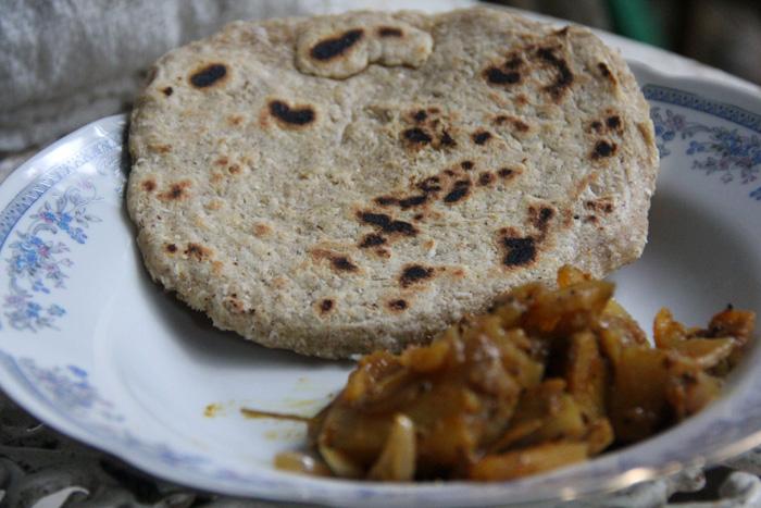 Pol Roti and Potato Curry