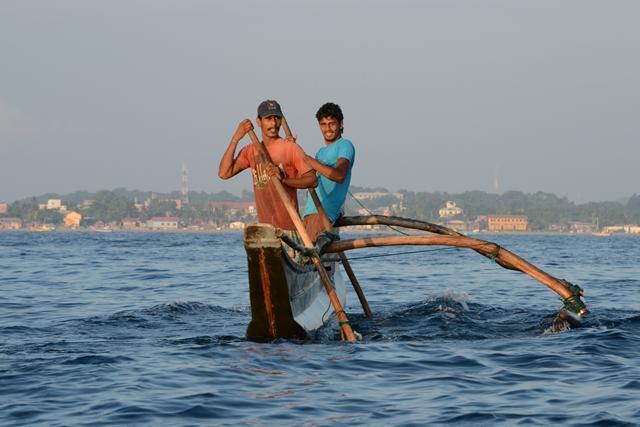 Pescatori a Trincomalee in Sri Lanka