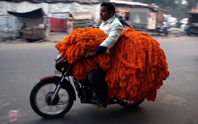 ghirlande di fiori in india per il diwali