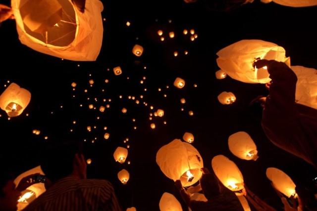 lanterne in cielo diwali