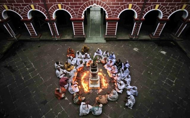 vedove durante il diwali
