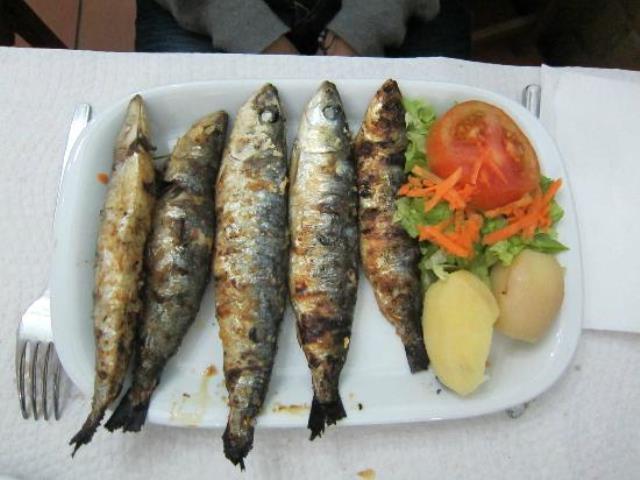 sardine alla griglia a lisbona